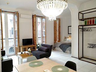 Exclusive apartment in the Historic Centre next to the beach.