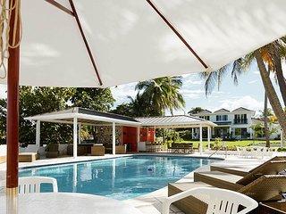 WATERFRONT VILLAS! WEDDINGS! FAMILY REUNIONS, JAMAICA,Coral Cay - Ocho Rios 9BR