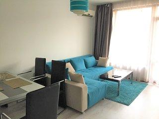 1 bedroom apartment with garden view