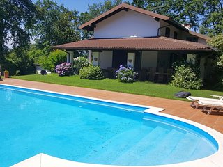 Lovely peaceful villa with private pool!
