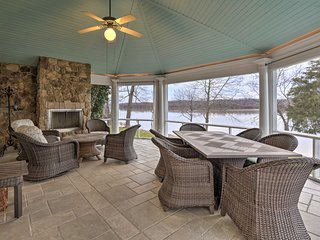 NEW! Waterfront Prospect Home-20 Mi. to Louisville