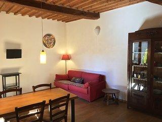 La Casamatta - Spazioso e Accogliente Appartamento nel Borgo Medievale