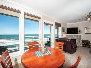Pacific Treasure - Corner 3rd Floor Oceanfront Condo, Private Hot Tub, Pool!