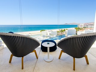 LUXURIOUS CLOUD 9 AT VICEROY RESORT! BEACHFRONT GORGEOUS CONTEMPORARY CONDO!!