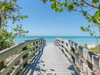 Beautiful Duplex w/ front & back units! Only 1 block to the beach!