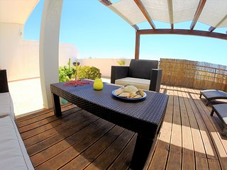2 Bedroom Apartment with Large Ocean View Terrace