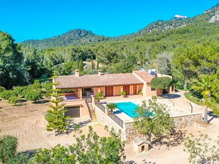 GREAT 4-Bedroom Villa Bell LLoc with PRIVATE GARDEN, POOL and TERRACE