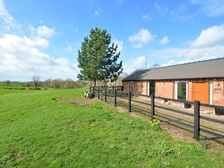 74227 Barn situated in Audlem (2mls NE)