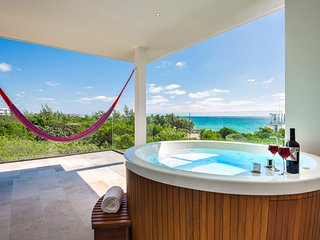 ✬✬BRAND NEW✬✬ Ocean View 2 Bdr Luxury Condo with Private Jacuzzi
