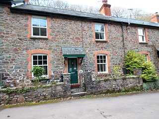 Robins Brook, Porlock - Family and dog-friendly holiday cottage for up to 4 gues