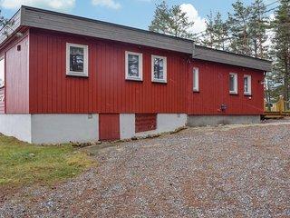 Amazing home in Vesterøy w/ 3 Bedrooms
