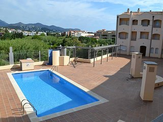 PORT 18 Magnífico apartamento con piscina en la zona del puerto.