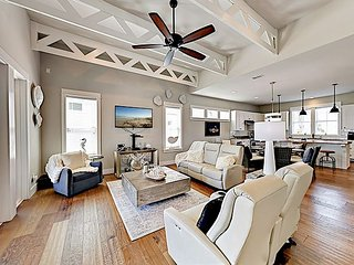 Brand-New Waterfront Home in Gated Community w/ Pool, Fire Pit & Courtyard