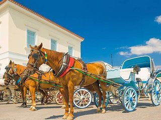 'Mata' Holidays in colorful Spetses