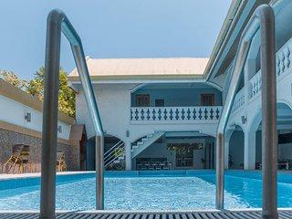 ADMIRIA 1 Resort