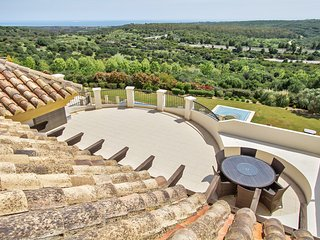 San Roque Club 4 Br Penthouse with sea view and large terrace