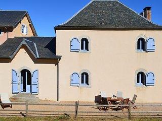 Gîte En Dardé 5 - Schitterend Château uit 1800 op 90 hectare bos en grasland