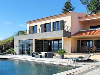 5 bedroom Villa with Pool and WiFi - 5777755