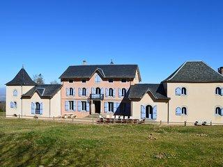 Gîte En Dardé 15 - Schitterend Château uit 1800 op 90 hectare bos en grasland