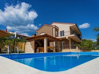 Luxury Villa with pool for rent Split area
