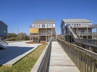 Island Drive 4478 Oceanfront-B Lot! | Hot Tub, Jacuzzi, Internet, Pet Friendly