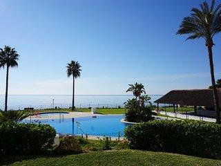 Beachfront apartment in Calahonda (Mi Capricho)