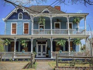 NEW! Vicksburg Home w/3 Porches, Walk to Downtown