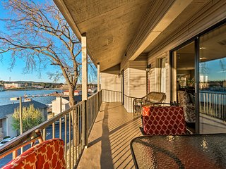 NEW! Lake Hamilton Condo w/ Balcony & Amenities!