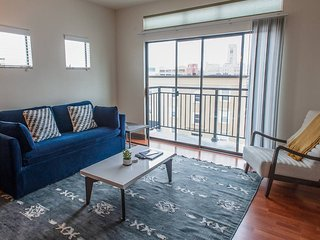 2BR Apartment Near Children's Museum