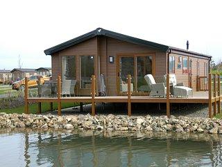 Hafan Y Mor Luxury Lakeside Lodge