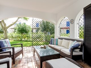 2 bedroom Apartment with Pool, Air Con and WiFi - 5610973