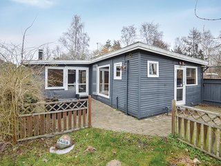 Amazing home in Eskebjerg w/ 2 Bedrooms (E20110)