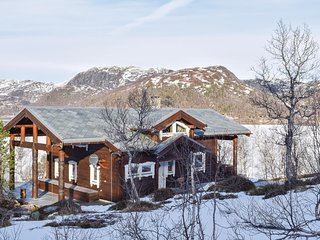 Stunning home in Matredal w/ Sauna, WiFi and 5 Bedrooms