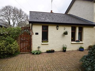 74276 Cottage situated in Cowes (3mls S)