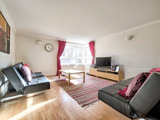 Comfortable Apartment Next To Holyrood Park