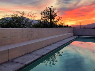 ☀️4BR Relaxing Desert Oasis View Home w/Pool☀️