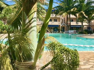 FLIC EN FLAC - Appartement terrasse avec piscine - Bord de Mer / Top floor apt