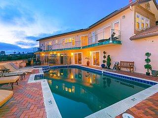 Luxe La Jolla Estate w/ Private Pool & Hot Tub - Incredible Ocean  Views