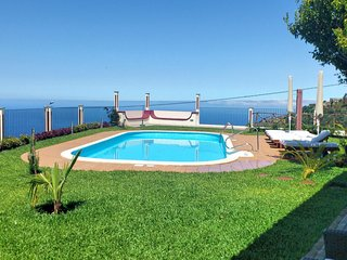 Secluded Tranquil Spacious Villa, Stunning Views, Heated Pool & A/C | Theo's