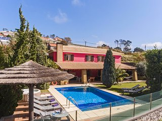 Fabulous villa in Prazeres, Calheta, heated pool, garden | Cris's Home