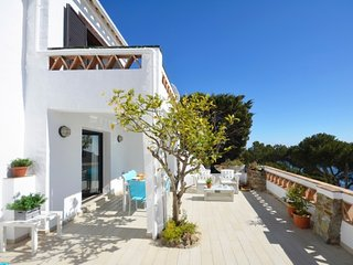 Begur Villa Sleeps 6 with Pool and WiFi - 5246747