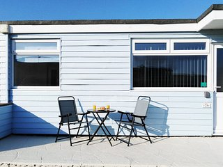 28 Sandown Holiday Chalet