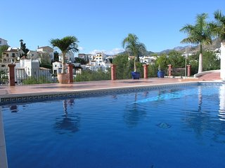 Comfortable house near Burriana Beach, sleeps 8