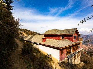ZostelX - Cheog, Shimla