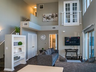 A6 Entire A plus Luxury Suites in the Heart of San Diego