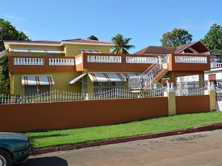 Villa de Clara:     A gorgeous spacious house in an exclusive community