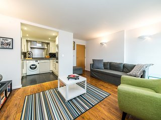 NEW Superb 1BD Flat In the Heart of the Docklands