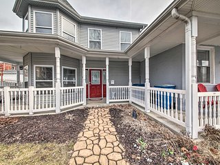 NEW! Hip Townhome in Central Historic St. Charles!