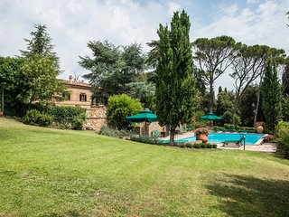 Villa Montaione - Two-Storey house with panormic swimming pool