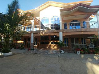 Deduct 20% Discount on Entire House Base Price $55/night OR $18/room per night